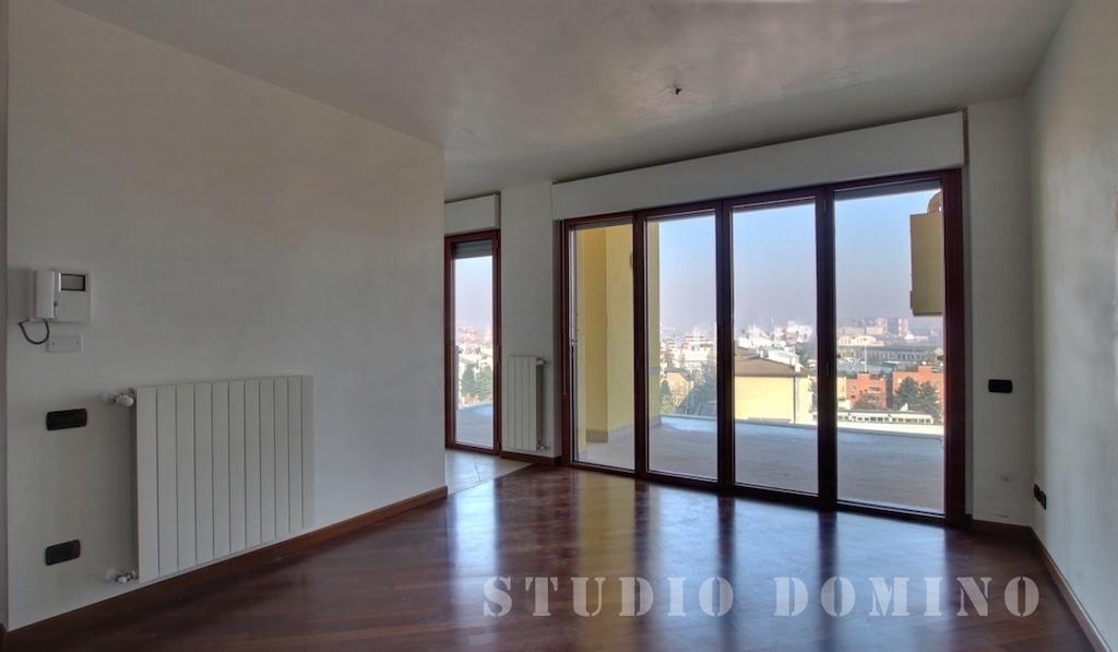 BIlocale di nuova costruzione con terrazzo panoramico,Milano, zona ...