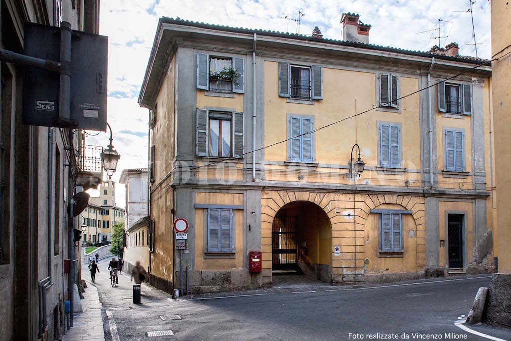 Palazzetto d epoca con villa interna a Cassano d Adda  (MI)