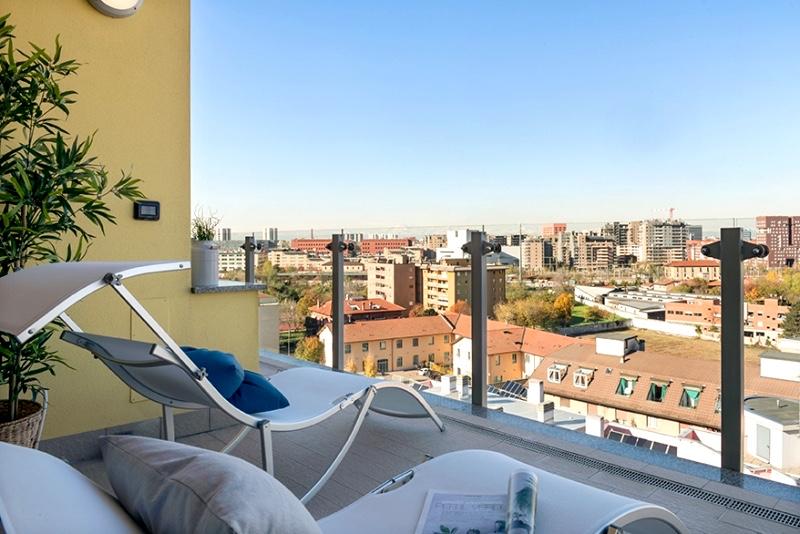 Bilocale con terrazzo panoramico, Milano, zona Precotto